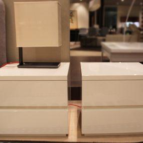 comodini moderni laccato bianco lucido