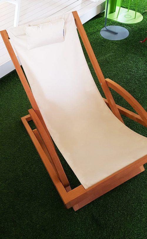 Lettino da esterno in legno e tela