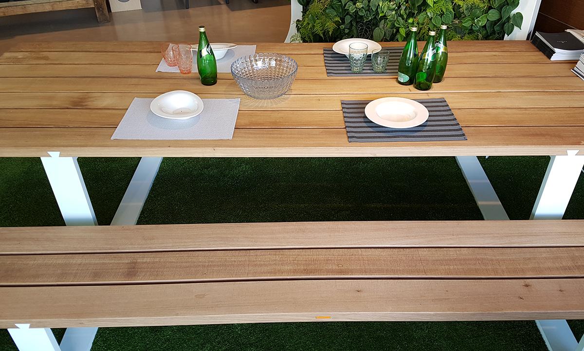 Tavolo da esterno vigor royal botania iori arredamenti for Arredo da esterno