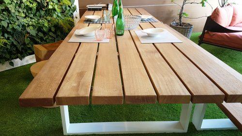 Tavolo da esterno in mogano moderno