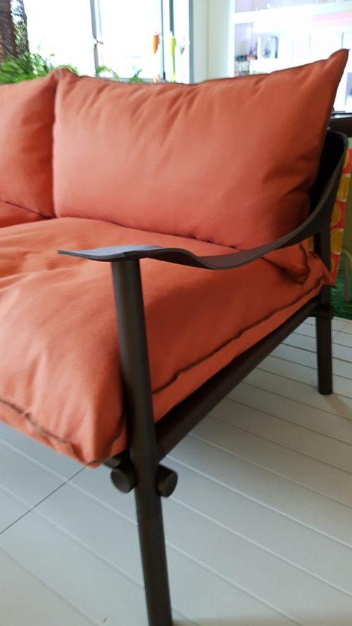 divano da esterno dal design moderno