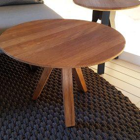 tavolino in teak da esterno in sconto