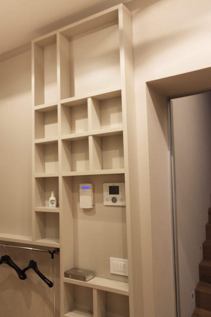 Soluzione per corridoio cabina armadio su misura Reggio Emilia