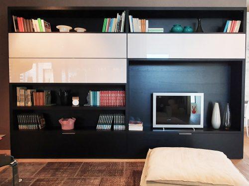 mobile tv legno