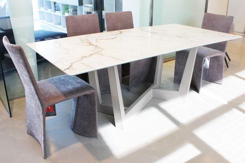 tavolo fisso con piano in ceramica in sconto