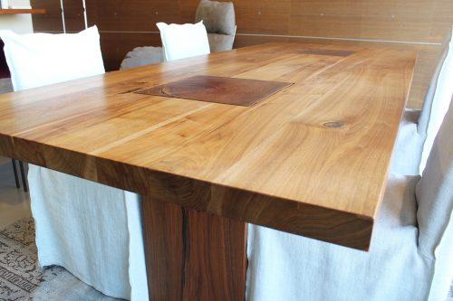 tavolo in legno massello Riva 1920 scontato a Reggio Emilia occasione