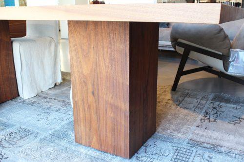 moderno tavolo in legno massello Riva 1920 in offerta