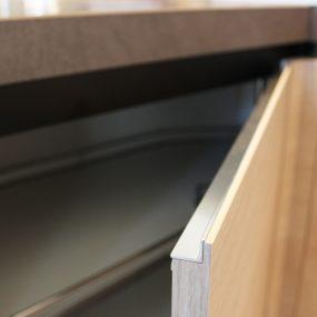 Grande occasione cucina moderna effetto legno con piano in Ceramica