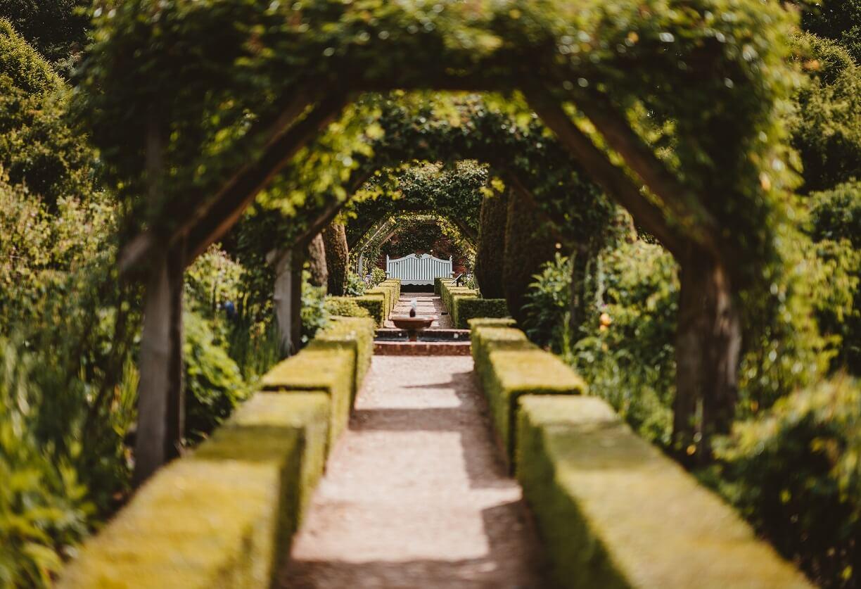 Idee Per Illuminare Un Giardino architetture giardini: impara a progettare senza errori le