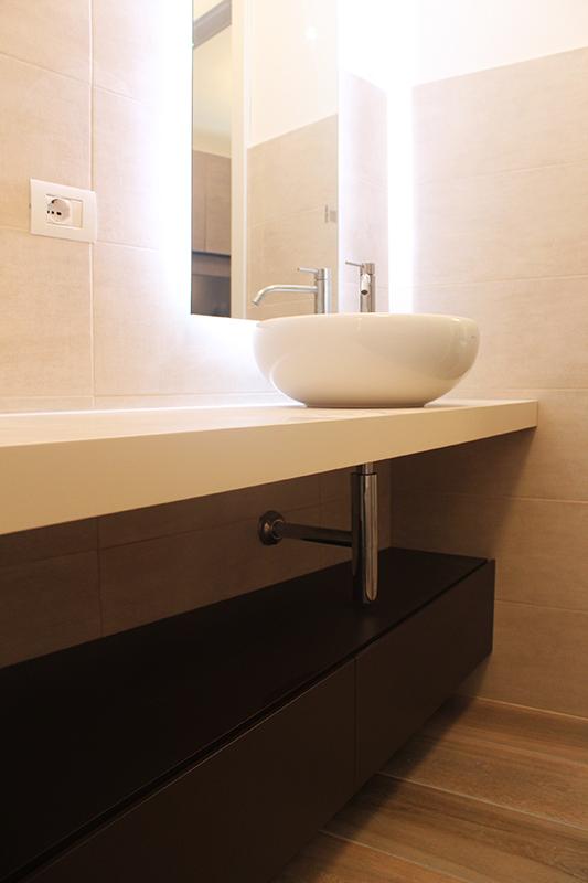 Studio e realizzazione di mobili bagno su misura