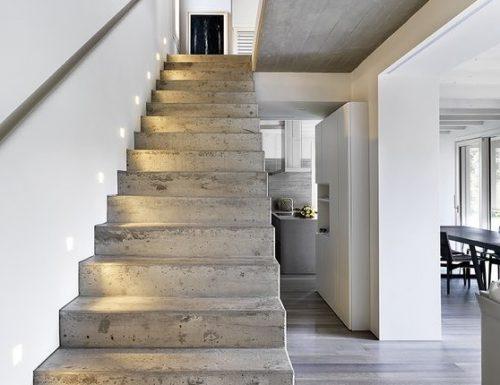 faretti scale interne con gradini a vista