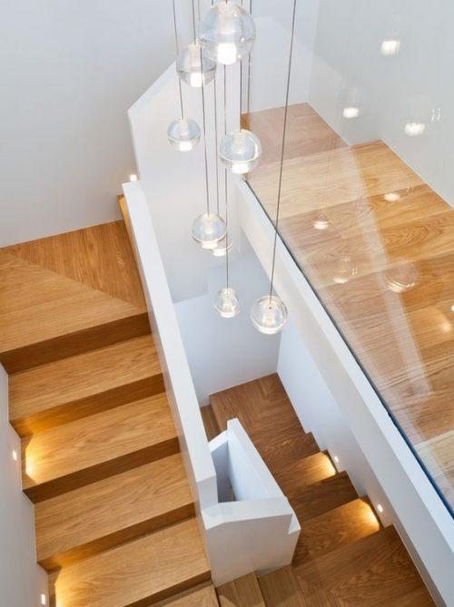 Luci per scale interne con vuoto centrale
