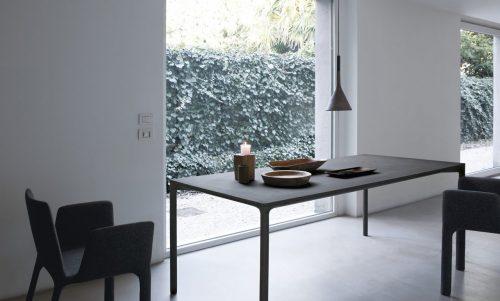 Tavolo in cemento Boiacca Kristalia per arredare stile industriale