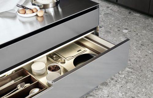scegliere la cucina con organizzatori per cassetti